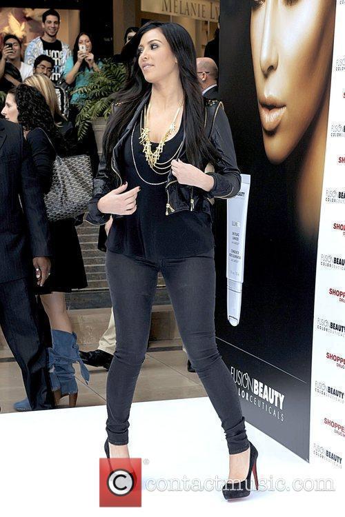 Kim Kardashian, Evolution Festival