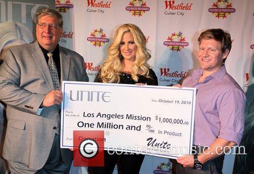 Kim Zolciak  Kim Zolciak presents one million...