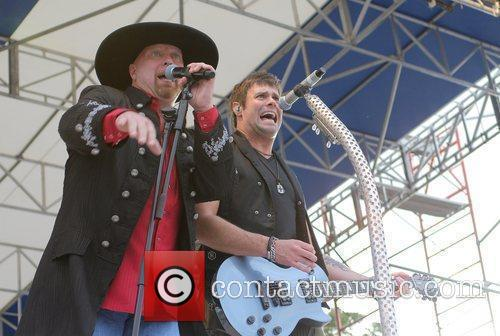 Eddie Montgomery and Troy Gentry 3