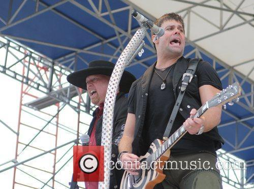 Eddie Montgomery and Troy Gentry 4