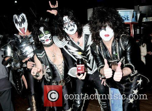 Gene Simmons, Eric Singer, Tommy Thayer, and Paul...