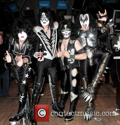 Paul Stanley, Eric Singer, Tommy Thayer, and Gene...
