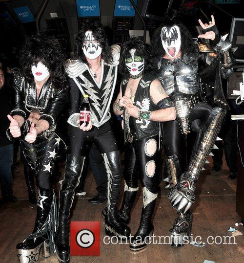 Paul Stanley, Eric Singer, Tommy Thayer and Gene Simmons 5