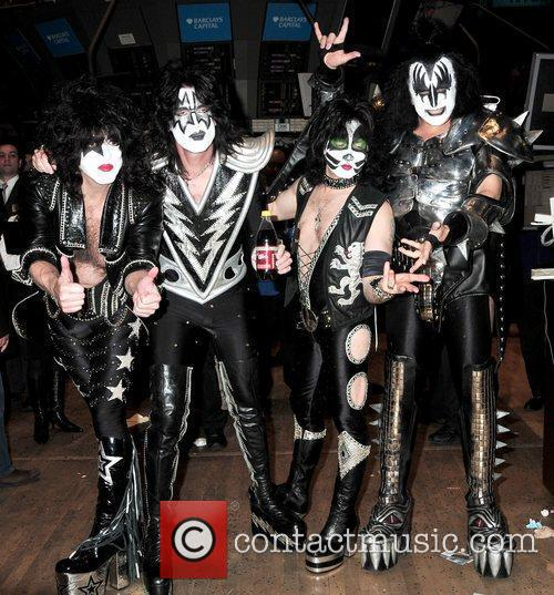 Paul Stanley, Eric Singer, Tommy Thayer and Gene Simmons 7