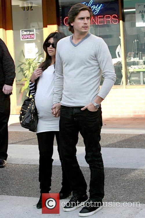 Kourtney Kardashian and Scott Disick 8