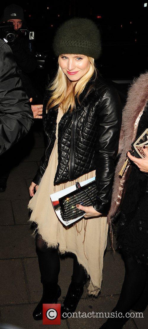 Kristen Bell outside her London Hotel London, England