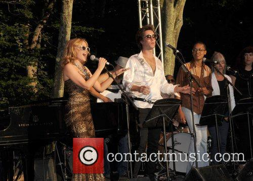 Kylie Minogue and Rufus Wainwright  performing live...