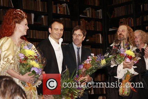 Joanna Lumley, David Hyde Pierce, Matthew Warchus and The Music 2