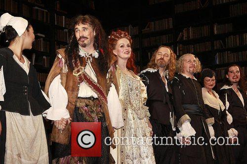 Mark Rylance, David Hyde Pierce, Joanna Lumley and The Music 7