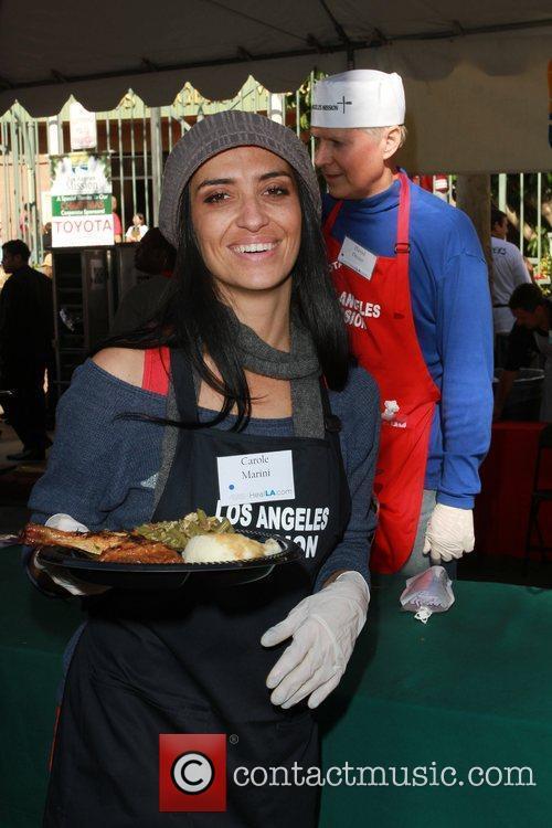 Carole Marini Celebrities volunteer on Christmas Eve to...