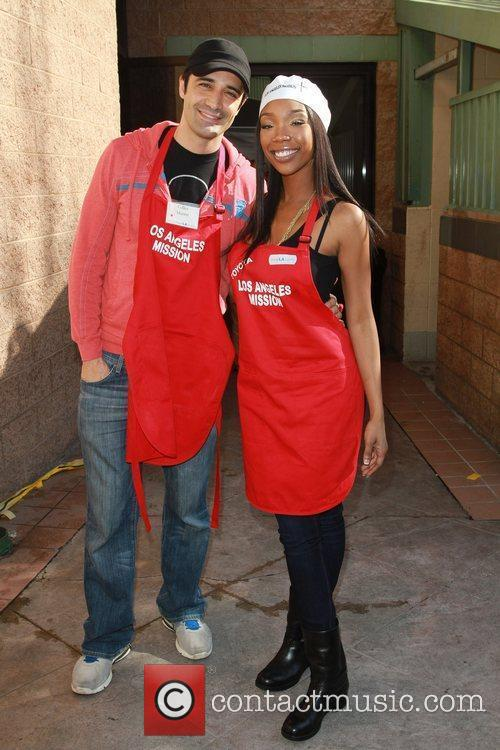 Gilles Marini and Brandy Celebrities volunteer on Christmas...