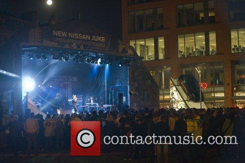 Performs a free concert at Manchester Piccadilly Gardens...