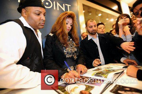 La Toya Jackson and Michael Jackson 31