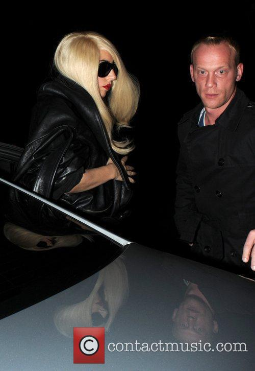 Lady Gaga leaves her London hotel before jumping...