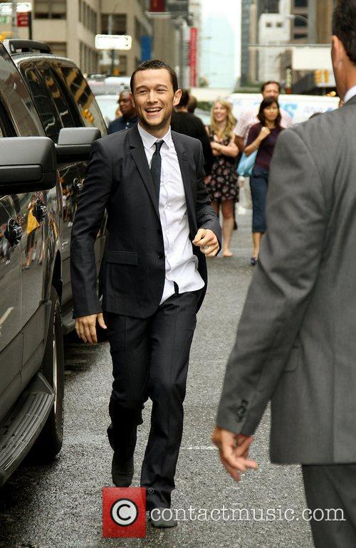 Joseph Gordon-levitt and David Letterman 4