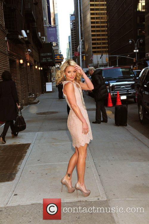 Kelly Ripa and David Letterman 14