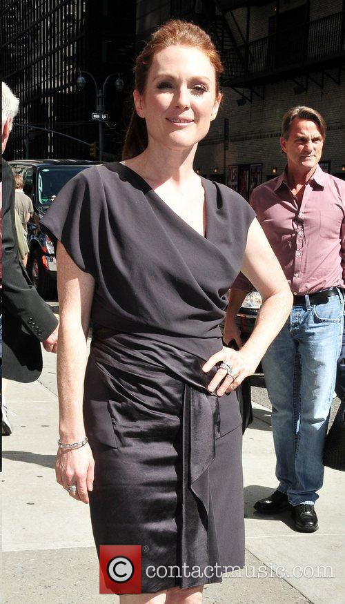 Julianne Moore and David Letterman 11