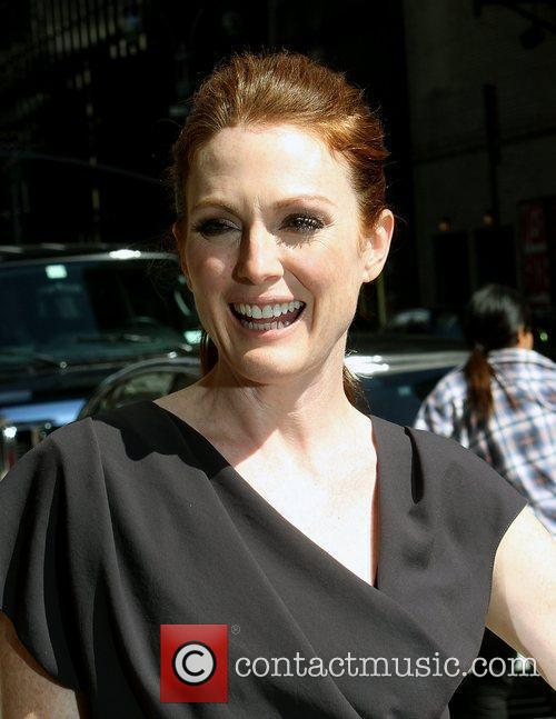 Julianne Moore and David Letterman 5