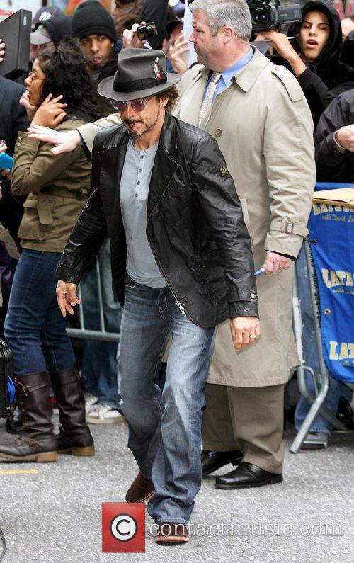Robert Downey Jr and David Letterman 13