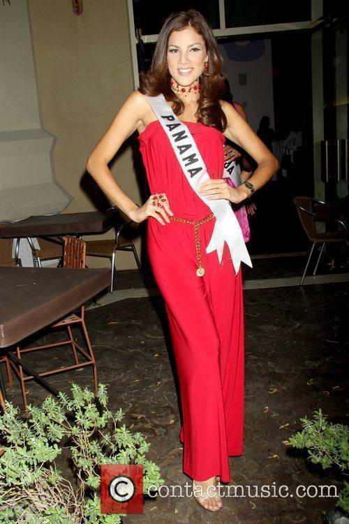 Anyoli Abrego, Miss Panman 2010 Miss Universe 2010...