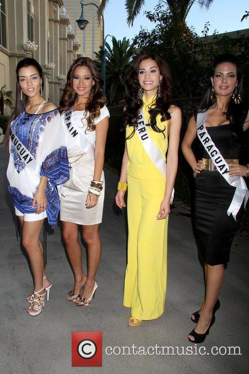 Stephany Ortega( Miss Uruguay 2010) , Adriana Reveron...