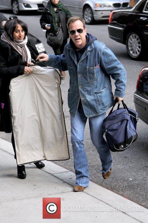 Kiefer Sutherland and David Letterman 18
