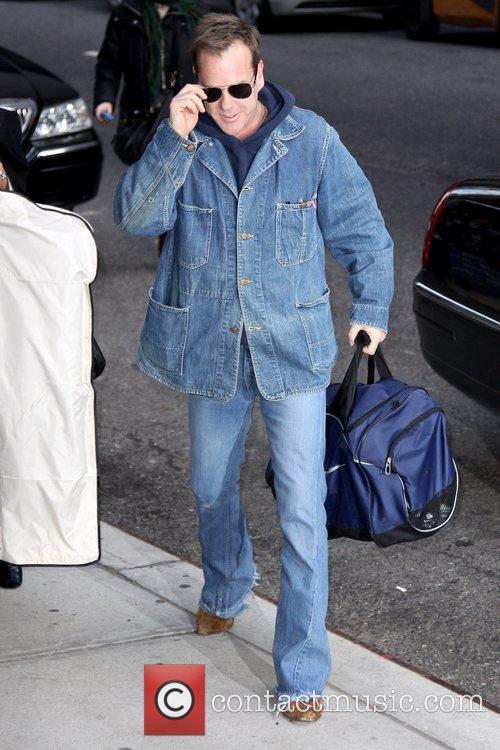 Kiefer Sutherland and David Letterman 15