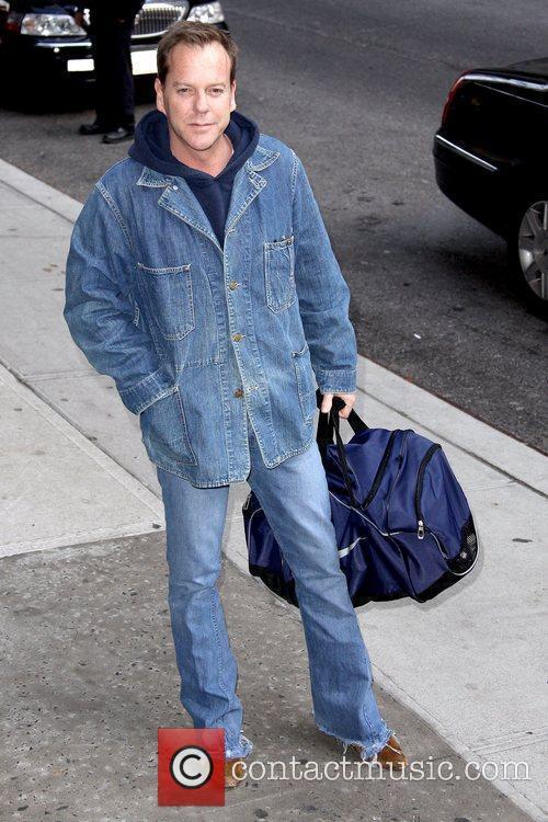 Kiefer Sutherland and David Letterman 12
