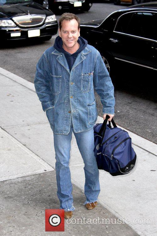 Kiefer Sutherland and David Letterman 17