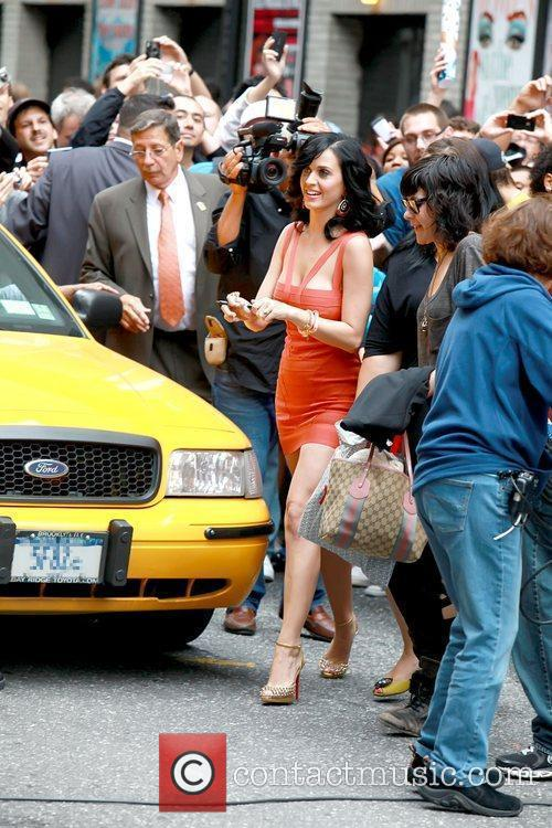 Katy Perry and David Letterman 5