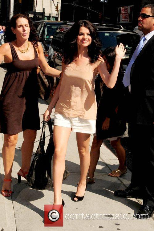 Selena Gomez and David Letterman 16