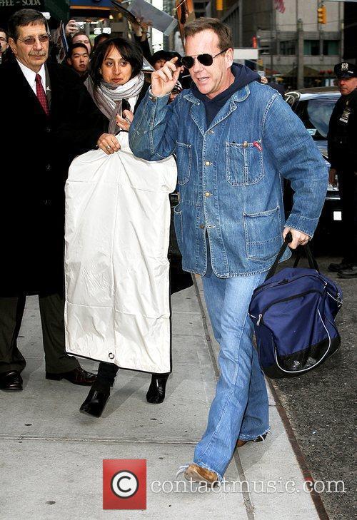 Kiefer Sutherland and David Letterman 29