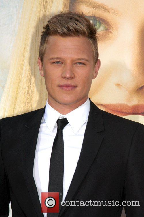 Christopher Egan 5