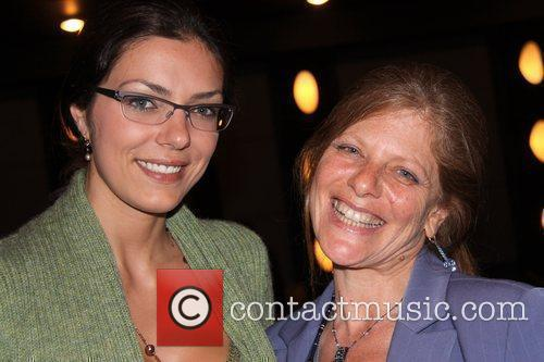 adrianne curry 5499000