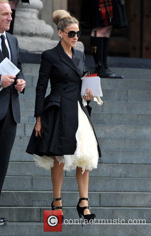 Sarah Jessica Parker Alexander McQueen memorial service held...