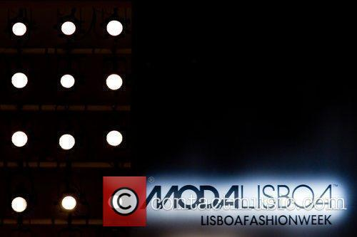 Atmosphere Lisbon Fashion Week CheckPoint Winter 2011 -...