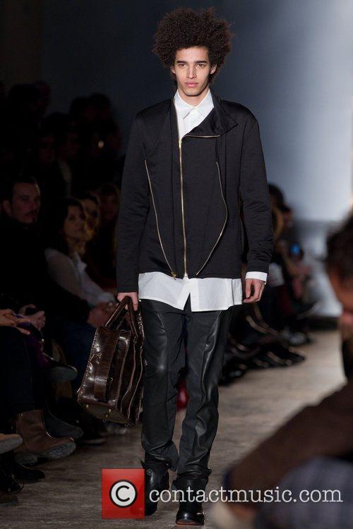 Model Lisbon Fashion Week CheckPoint Winter 2011 -...