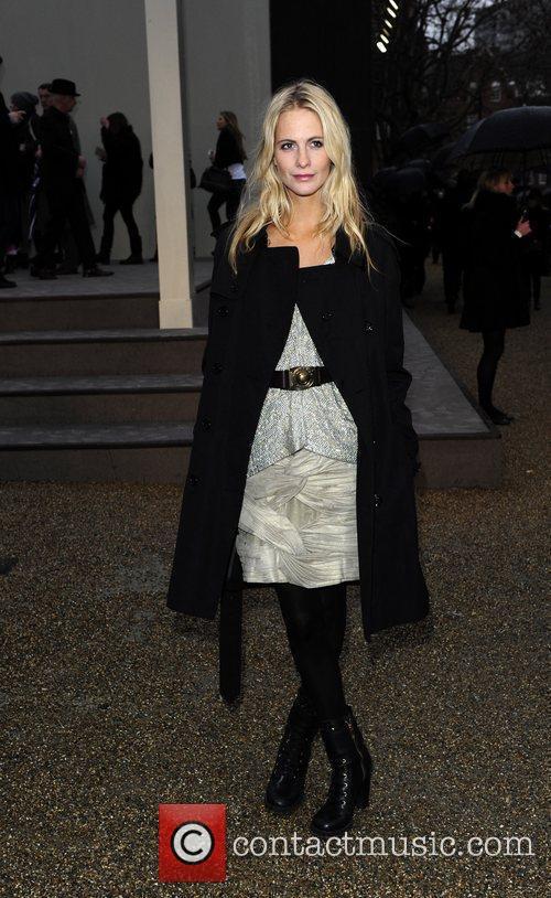 London Fashion Week Autumn/Winter 2010 - Burberry Prorsum...