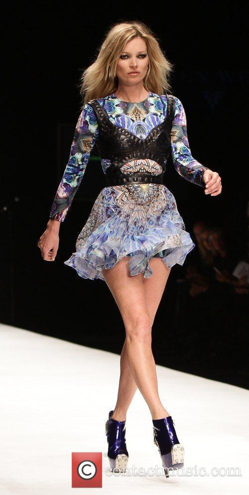 Kate Moss London Fashion Week 2010 - Fashion...