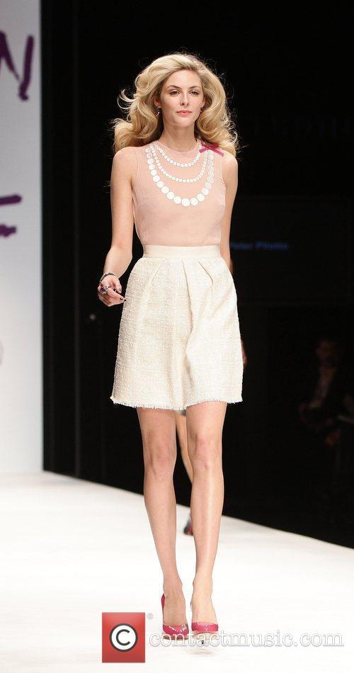 Tamsin Eggerton London Fashion Week 2010 - Fashion...