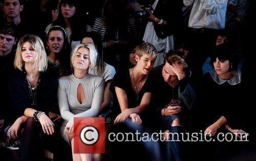 Pixie Geldof, Agyness Deyn, Jaime Winstone, Lily Allen and Nick Grimshaw 3