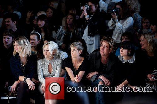 Pixie Geldof, Agyness Deyn, Jaime Winstone, Lily Allen and Nick Grimshaw 11