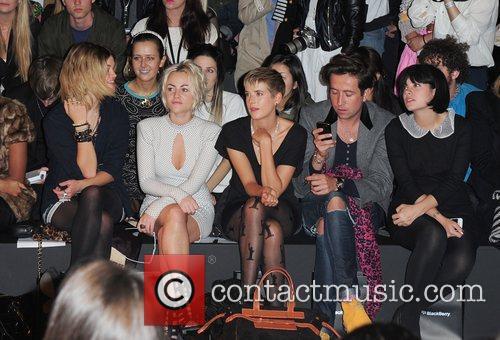 Pixie Geldof, Agyness Deyn, Jaime Winstone, Lily Allen and Nick Grimshaw 1