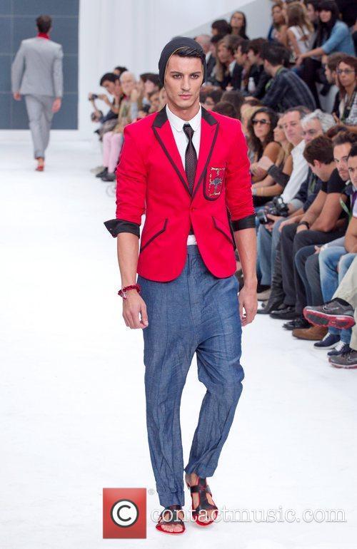 Lisbon Fashion Week Nuno Gama Spring/Summer 2011- Catwalk...