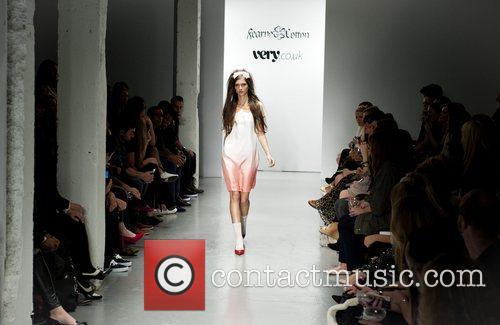 Model London Fashion Week Spring/Summer 2011 - Fearne...