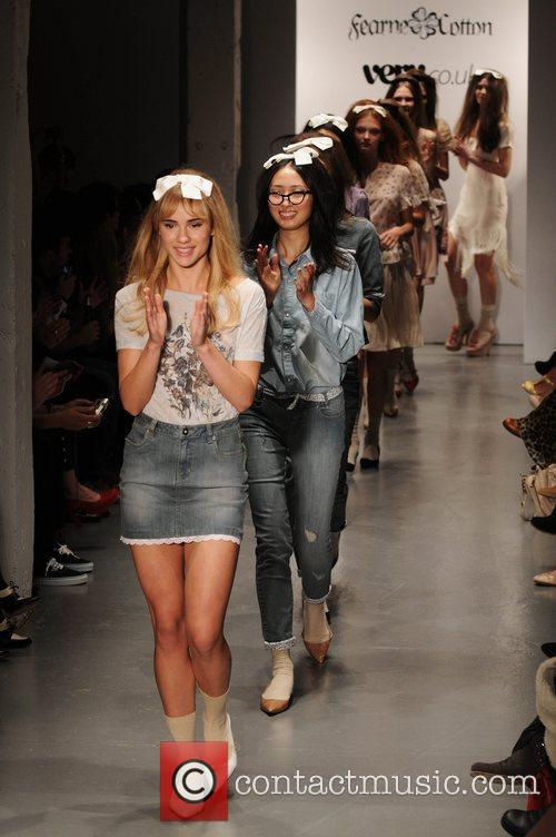 London Fashion Week Spring/Summer 2011 - Fearne Cotton...