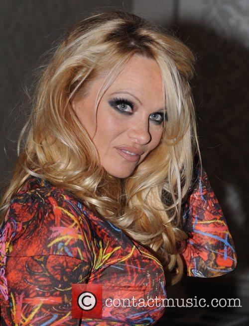 Pamela Anderson and Vivienne Westwood 5
