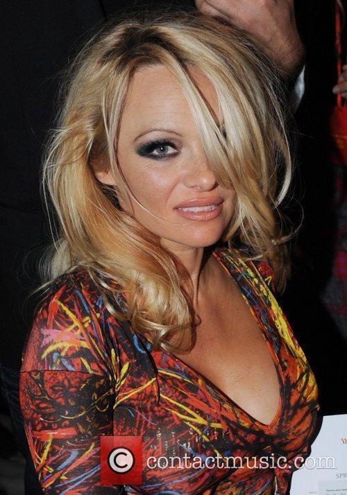 Pamela Anderson and Vivienne Westwood 4