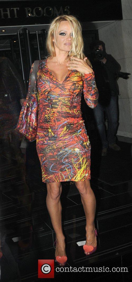 Pamela Anderson and Vivienne Westwood 9
