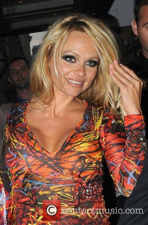 Pamela Anderson and Vivienne Westwood 1